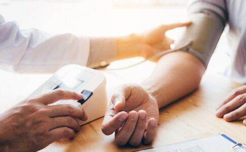 高血圧でも医療保険に加入できる!?症状別のおすすめ保険を紹介!